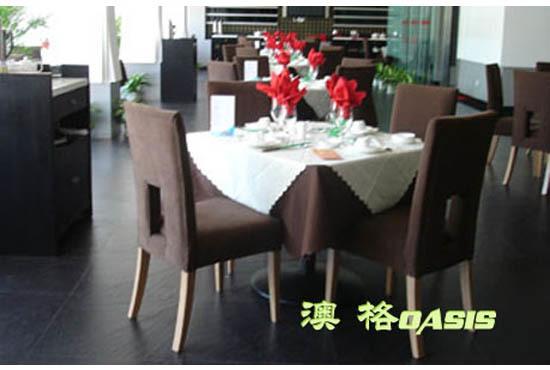 如何根据餐厅尺寸选择桌椅