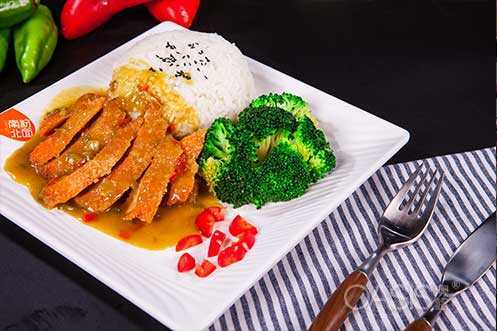 中西茶餐快餐厅南粉北面菜品