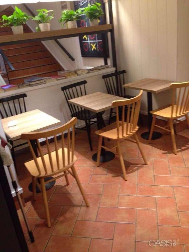 类似肯德基餐桌椅的颜色要如何选择