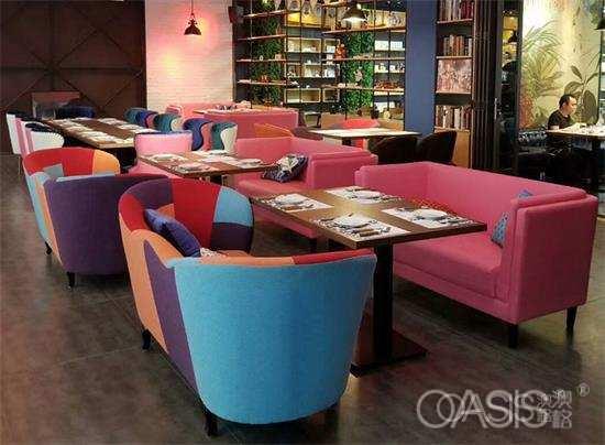 板式餐厅家具桌椅的三个特性你知道吗