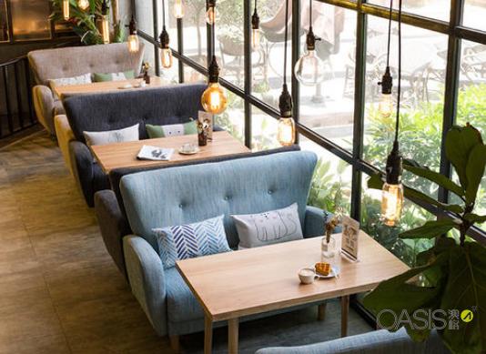 餐饮家具中咖啡厅餐桌椅的选择需要注意什么